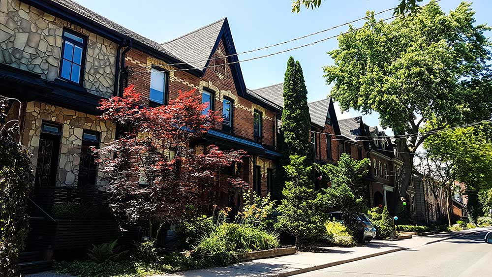 houses in leslieville, toronto