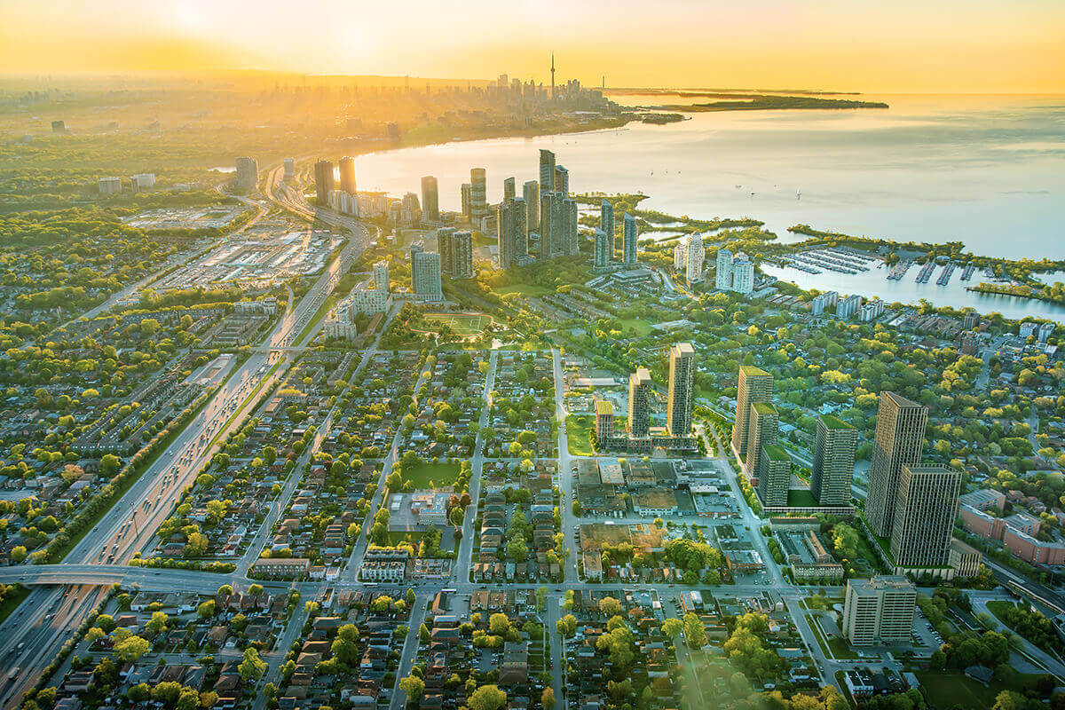 The_Buckingham_Grand_Central_Mimico_Aerial