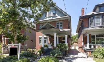 24 Fairview,Toronto,Canada,4 Bedrooms Bedrooms,3 BathroomsBathrooms,House,Fairview,1097
