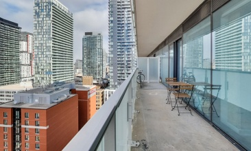 11 Charlotte, Toronto, Canada, 1 Bedroom Bedrooms, ,1 BathroomBathrooms,Condo,Sold,King Charlotte,Charlotte,1130