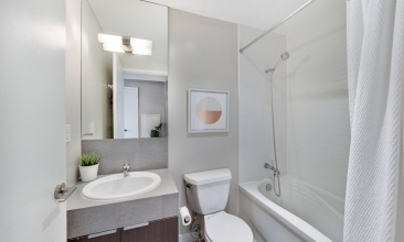 110 Charles St, Toronto, Canada, 2 Bedrooms Bedrooms, ,2 BathroomsBathrooms,Condo,Sold,Charles St,1144