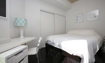 127 Queen St E,Toronto,Canada,1 Bedroom Bedrooms,1 BathroomBathrooms,Condo,Queen St E,2,1018