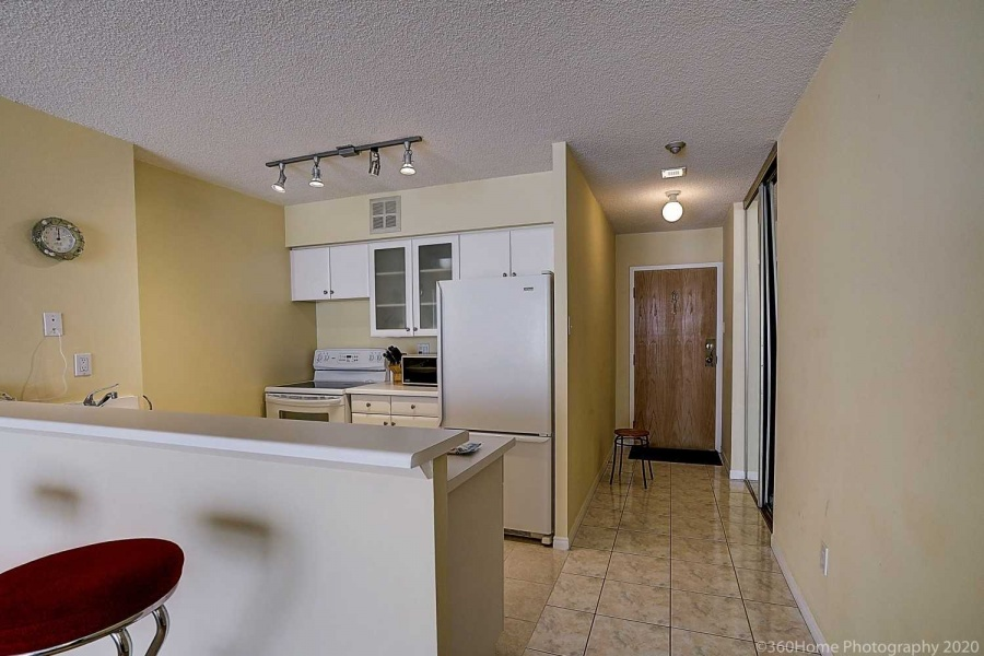 95 Lombard, Toronto, Canada, 1 Bedroom Bedrooms, ,1 BathroomBathrooms,Condo,Purchased,Saint James Square,Lombard,1232