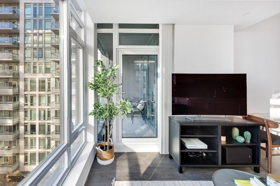 525 Adelaide, Toronto, Canada, 2 Bedrooms Bedrooms, ,2 BathroomsBathrooms,Condo,Sold,Musee Condos,Adelaide,1245