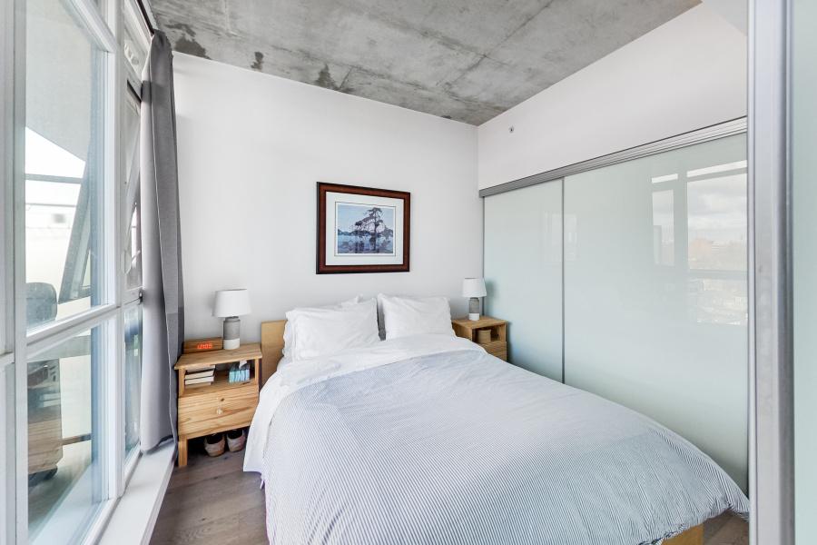 1190 Dundas, Toronto, Canada, 1 Bedroom Bedrooms, ,1 BathroomBathrooms,Condo,Sold,The Carlaw,Dundas,7,1246