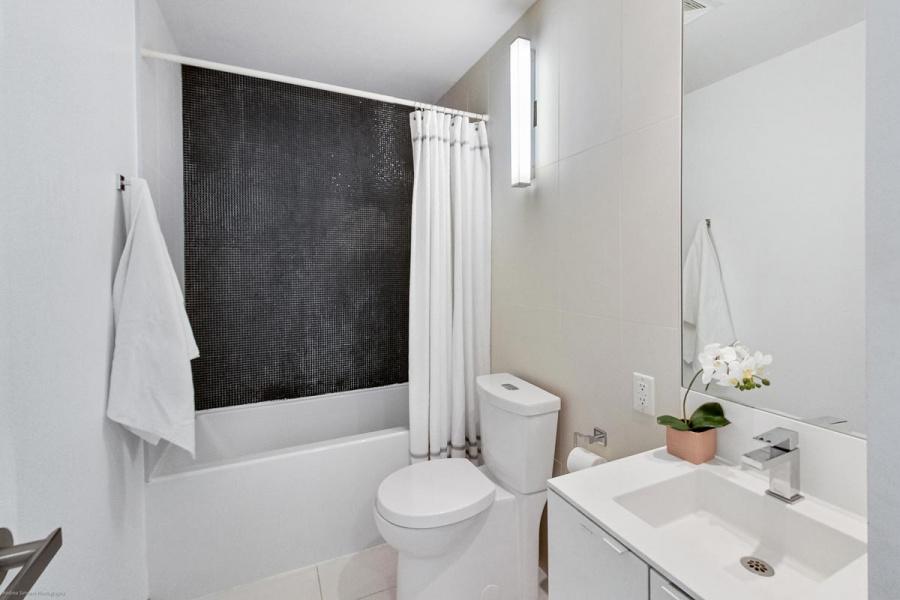 1411-125 Peter St, Toronto, Canada, 1 Bedroom Bedrooms, ,1 BathroomBathrooms,Condo,Sold,1411-125 Peter St,1279