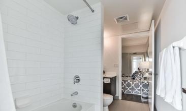 38 Joe Shuster Way., Toronto, Canada, 1 Bedroom Bedrooms, ,1 BathroomBathrooms,Condo,For Rent,Joe Shuster Way.,1288
