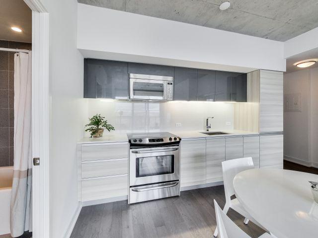 1190 Dundas St E,Toronto,Canada,2 Bedrooms Bedrooms,1 BathroomBathrooms,Apartment,Dundas St E,11,1039