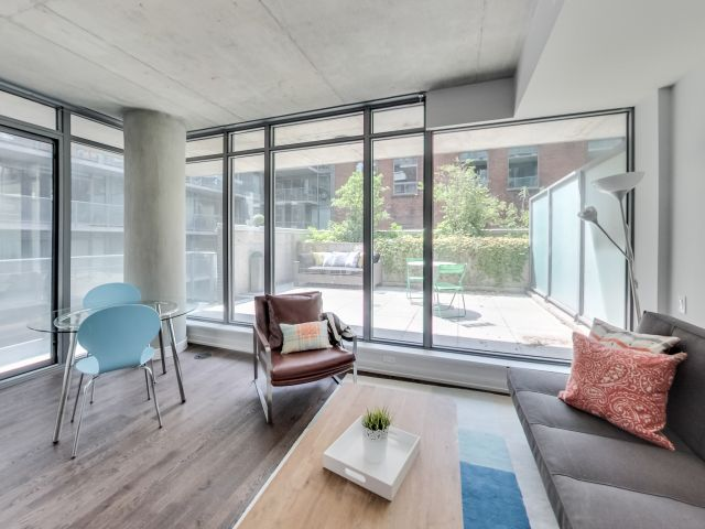 95 Bathurst Street,Toronto,Canada,1 Bedroom Bedrooms,1 BathroomBathrooms,Apartment,Bathurst Street,2,1042