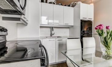 510 King St. E,Toronto,Canada,1 Bedroom Bedrooms,1 BathroomBathrooms,Condo,King St. E,4,1049