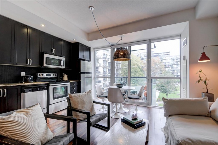 560 Front St.,Toronto,Canada,1 Bedroom Bedrooms,1 BathroomBathrooms,Condo,560 Front St.,1072