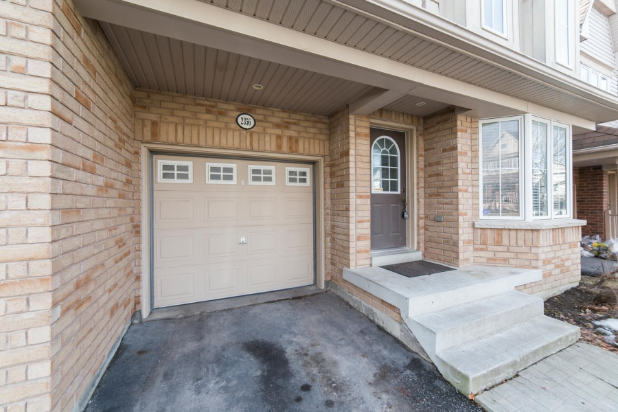 2356 Winlord Place,Oshawa,Canada,4 Bedrooms Bedrooms,4 BathroomsBathrooms,House,Winlord Place,1087